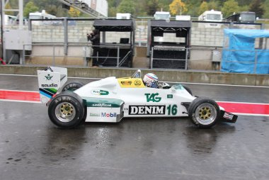 Williams FW8