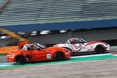 András Király - IL Motorsport - Mazda MX5 vs. Rover Dullaart - Johan Kraan Motorsport - Mazda MX5
