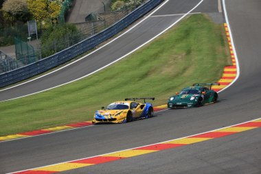 JMW Motorsport & Proton Competition - Ferrari 488 GTE & Porsche 911 RSR