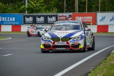 Sari/Sari - BMW M4