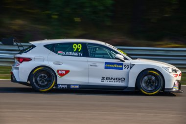 Gábor Kismarty-Lechner - Zengő Motorsport Services KFT CUPRA León