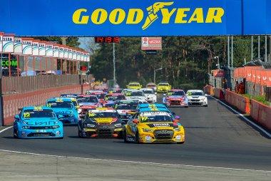 Start 2020 FIA WTCR Zolder Race 2