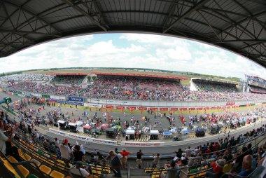 24 Heures du Mans: De start en de eerste uren in beeld gebracht