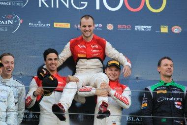 Nürburgring 1000: Laurens Vanthoor viert titel