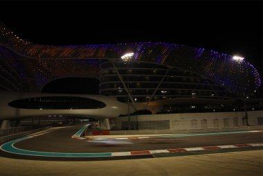 STP Racing with Sopp & Sopp - Porsche 991 GT3 Cup vs. Abu Dhabi Racing by Black Falcon - Mercedes SLS AMG GT3 voor Yas Viceroy