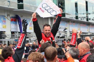 Vreugde bij WRT Audi na de zege tijdens de 24H Nürburgring 2015