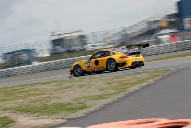 Schütz Motorsport Porsche 911 GT3 R