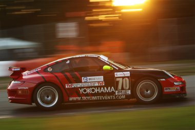 Skylimit Yokohama Racing Team - Porsche 997 GT4