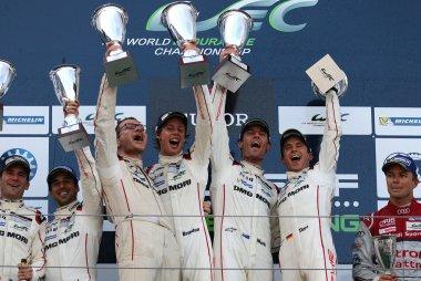 Porsche Team #17 winnaar 2015 WEC 6 Hours of Nürburgring