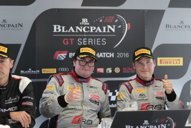 Enzo Ide Christopher Mies winnen  BLancpain Sprint in Brands Hatch