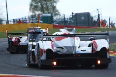 Audi Sport Team Joest - Audi R18 vs. Toyota Gazoo Racing - Toyota TS050 Hybrid