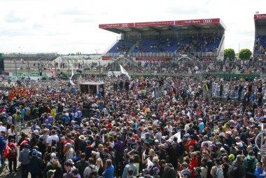 Publiek na finish 24 Heures du Mans 2016