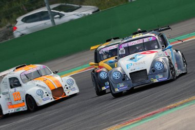 Track Torque 2 Rent Dominos, Leader Racing 1 & Top Loc Racing Team
