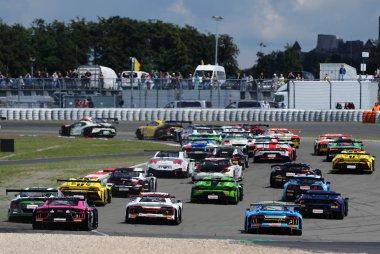 Start ADAC GT Masters Nürburgring