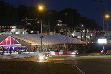 nacht valt over Circuit Zolder