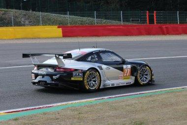 Proton Competition - Porsche 911 RSR