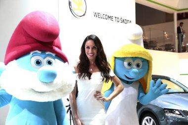 Hostess Skoda en Smurfen Autosalon Brussel 2017