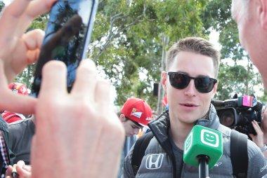Stoffel Vandoorne tijdens interview Telenet Play Sports