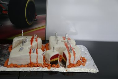 Verjaardagstaart voor Stoffel Vandoorne