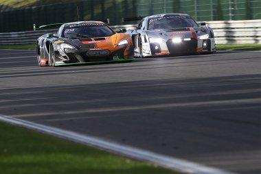 Strakka Racing vs. Audi Sport Team ISR - McLaren 650S GT3 vs. Audi R8 LMS