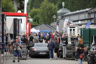 Sfeerbeeld paddock 24 Hours of Spa 2017
