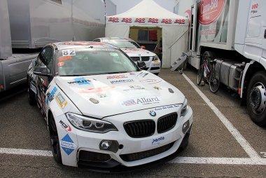QSR - BMW M235i Racing