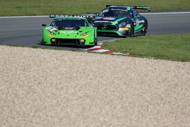 GRT Grasser Racing Team vs. HTP Motorsport - Lamborghini Huracan GT3 vs. Mercedes-AMG GT3