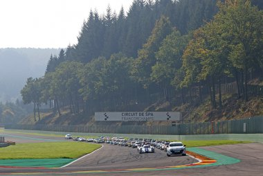 Voorbereiding start 2017 ELMS 4 Hours of Spa