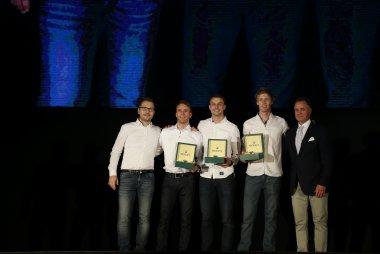 De kampioenen Timo Bernhard, Earl Bamber en Brendon Hartley