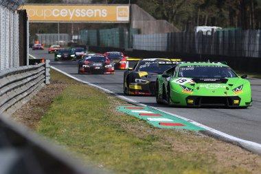 GRT Grasser Racing Team vs. Belgian Audi Club Team WRT - Lamborghini Huracan GT3 vs Audi R8 LMS