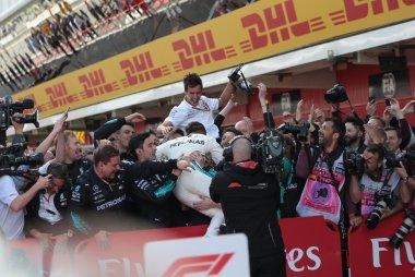 Lewis Hamilton en Mercedes-crew