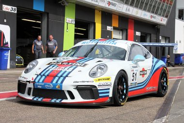 Gigaspeed Team GetSpeed - Porsche 911 GT3 R