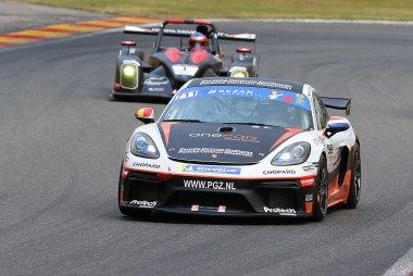 DVB Racing - Porsche Cayman GT4