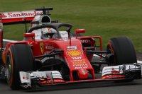 Sebastian Vettel met Halo V2