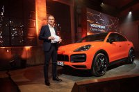 Oliver Blume, Chairman of the Executive Board of Porsche AG,stelt nieuwe Cayenne Turbo Coupé voor.