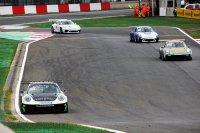 Xavier Maassen zet zijn Porsche aan de kant in de Thierry boutsen Chicane