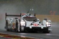 Earl Bamber was in de tweede vrije training op donderdag de snelste in de #19 Porsche