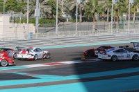 Crash bij de start van de Gulf 12 Hours 2015