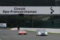 Duel voor de leiding na de pitstops tussen Porsche en Aston Martin