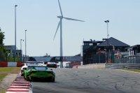 Bentley Team HTP - Bentley Continental GT3 vs. Rinaldi Racing - Ferrari 458 Italia