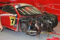 Crash van Zampieri/Calari (Kessel Racing)