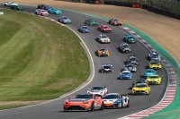 Start race 1 GT4 European Series Brands Hatch
