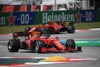 Carlos Sainz #55 en Charles Leclerc #16 - Ferrari