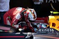Sebastian Vettel feliciteert Max verstappen