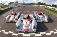 De drie wagens waarmee Audi Le Mans won van 2000-2002