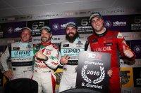 Kampioen Comini omringd door Vernay, Monteiro en Oriola