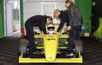 Rudi Penders aan het stuur van de Formula ERA