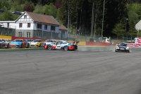 Chaos bij start Porsche Carrera Cup France & Benelux