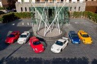 De zes generaties Porsche 911 GT3 (vlnr: 997.2, 997.1, 996.1, 996.2, 991.1, 991.2)