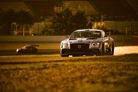 Een prachtig shot van de Bentley van Maxime Soulet